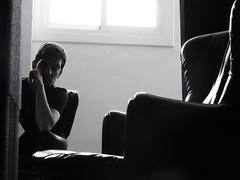 (Joan Pau Inarejos) Tags: coope ciutatcooperativa cooperativa barri santboi assaig ensayo isma ismael maria martí nadala carner 2017 música estudi estudio gravació grabación família familia familiars familiares antológicas antológica antología blancoynegro escala escalera pensativo pensar mind apoyado rodin soledad