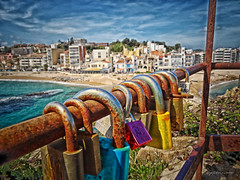 I stay here (pàmies photo) Tags: landscape nature sea seaside seascape sky skyscape skylovers clouds cloudscape sun summer beach beautiful blue light day mothernature padlocks padlock hdr hdrphotography hdrphoto hdrart beachtown blanes catalonia