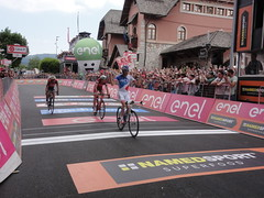 Thibaut Pinot  winning stage 20 at Giro D'iTALIA 2017 in Asiago (Éire BitaCraic) Tags: thibautpinot cycling giro giro100 france italy asiago