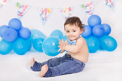Happy baby (Tiziana de Martino) Tags: blue boy balloons jeans baby papillion party birthday canon studio light elinchrome first year indoor
