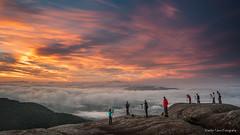 Amanhecer na Serra do Lopo (Waldyr Neto) Tags: serradolopo pedradasflores extrema montanhas montanha nuvens amanhecer sunrise cloudsstormssunsetssunrises serradamantiqueira mantiqueira