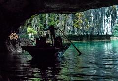 halongbay - tunnel