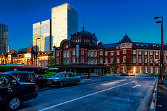 Tokyo Station Marunouchi Station Building : 東京駅丸の内駅舎 (Dakiny) Tags: 2017 summer june japan tokyo chiyoda marunouchi city street outdoor landscape park station architecture building people sky blue nikon d7000 sigma 1770mm f284 dc macro os hsm sigma1770mmf284dcmacrooshsm nikonclubit