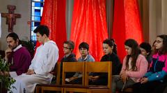 Het groepje vormelingen van Greet (KerKembodegem) Tags: liturgy vasten zomer jesuschrist jezus veertigdagentijd gezang song 2017 christianity eucharist lente jesus seizoenen lied kerklied kindernevendienst nevendienst bijbel liturgischeliederen churchsongs winter boom 4ingen geloofsbelijdenis kerkembodegem god kruin tafelgebed tenbos eucharistie kleuren bible gebeden gezangen gezinsvieringen liederen herfst eucharistieviering gezinsviering erembodegem liturgie liturgischlied zondagsviering songs