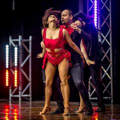 La grande finale (maoby) Tags: rouge la grande finale nikon d600 135mm sigma art dance danse red montréal fête party