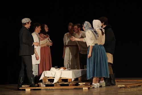 Молодежный театр Underground Одна абсолютно счастливая деревня (12)