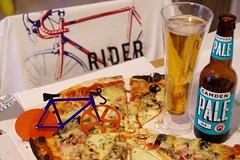 fête des pale (duketteman) Tags: rider camden camdenpale pale ale pizza vélo duketteman