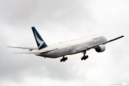 Boeing 777-367 | B-HNP | KHH