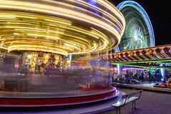 Les roues tournes ! (cédricmachinal1) Tags: blue treadmill streetstyle longexposure nancy frenchphotography bigwheel photography fascinating green carrousel foiredenancy urbanpictures 2017 light red rotation nightlife colornight artificiallighting yellow