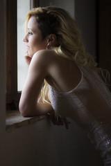 LA FATINA ELISA ALLA FINESTRA. (FRANCO600D) Tags: finestra luce elisa ritratto sguardo cjasecocel fagagna ud fvg franco600d