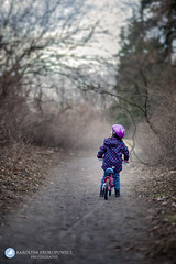 Zuzia & Marysia (karolinaprokopowicz) Tags: child childhood kidsphotography kids bicycle forest outdoor girl poland people diamondclassphotographer