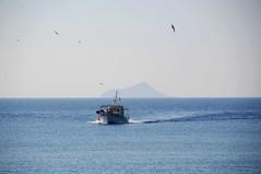 Fishing boat approaching Agios Kirykos, Ikaria / Greece (ANJCI ALL OVER) Tags: greece greekislands ikaria aegean ελλάδα ελληνικάνησιά ικαρία αιγαίο northaegean