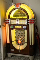 Juke Box - Anderson Co, S.C. (DT's Photo Site - Anderson S.C.) Tags: canon 6d 24105mml lens andersonsc upstate south carolina wurlitzer juke box rock roll music 1960s 1950s vintage artist popular songs vanishing american pop culture southernlife drivein