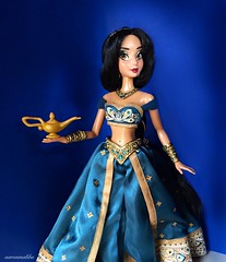 Princess Jasmine, Daughter of the Sultan (Richard Zimmons) Tags: limited edition aladdin jasmine doll magic lamp