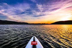 Nothing new in the West (Yarin Asanth) Tags: redpaddlecorace140 reflections yellow sundown sunset redpaddleco redrace sup standuppaddling red waves gerdkozik yarinasanth germany constance lake weather
