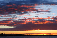 Solstice 2017 (Camusi) Tags: canada territoiresdunordouest tno northwestterritories northof60 nord north nwt g15 canon bright vif sky ciel nwtbigskies cieldestno clouds nuages outdoor nature yellowknife yellowknifebay baiedeyellowknife sunset coucherdesoleil almostmidnight midnightsun soleildeminuit june juin solstice2017