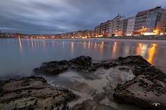 Luces (Emilio Rico Uhia) Tags: procesadas2017 luces sanxenxo pontevedra riasbaixas galicia mar rocas playas arena emilioricouhia paisaje