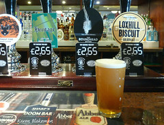 May 26th, 2017 Today's tipple is Loxhill Biscuit (karenblakeman) Tags: baroncadogan caversham uk pub beer ale goldenale loxhillbiscuit craftybrewingcompany 2017 2017pad may