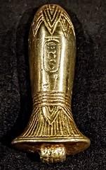 Papyrus amulet or wadj from King Tutankhamun's tomb New Kingdom 18th Dynasty 1332-1323 BCE (mharrsch) Tags: amulet papyrus wadj gold kingtutankhamun tomb burial funerary newkingdom 18thdynasty 14thcenturybce egypt ancient pharaoh ruler monarch king discoveryofkingtut exhibit newyork mharrsch premierexhibits