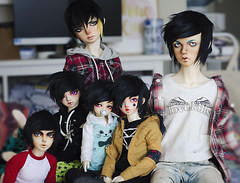Emo boy band (✄Frappzilla) Tags: bjd abjd doll little monica enrill leekeworld mihael minifee mnf mir mika luka mio xagadoll kiki