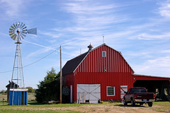 Red Oak, Missouri (WORLDS APART PHOTO) Tags: barn windmill windmillwednesday missouri redoak redoakmissouri agriculture farming outdoor collection architecture rural counntryside