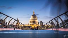 Millennium Bridge (MB*photo) Tags: london england ville bluehour heurebleue londres wwwifmbch uk thames architecture tamise pont bridge skyline
