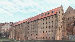 _CHA8714 (The Gruss) Tags: architektura obiekt spichlerz granary poland polska windows okno grudziadz old town miasto