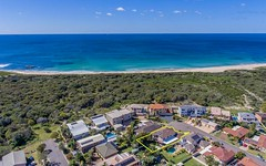 17 Driftwood Close, Caves Beach NSW