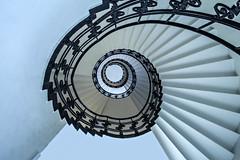 . (Elbmaedchen) Tags: staircase treppenauge hamburg blue steps stufen roundandround
