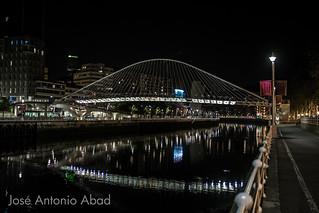 Puente Zubizuri, Campo de Volantín,  Bilbao