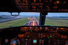 Approaching RWY 06 (Maik Schetters) Tags: boeing 737 aircraft airlpane airline airport holiday thomson tui arke netherlands spain canon eos 500 d 70 300 aviation planes