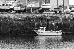 PZ1427 (Rabs247) Tags: nikon d3200 hayle boat water cornwall