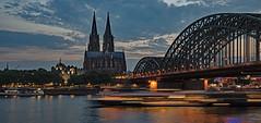 Köln (lotharmeyer) Tags: köln spiegelung dom rhein philharmoie abend schiffe