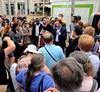 Entouré (Thibaut Prévost) Tags: hamon benoît bercy politique meeting paris présidentielle candidat