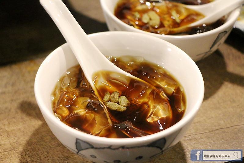 中國大陸人氣烤魚登台探魚台中公益店200