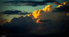 Sunset Duplex (nicolamariamietta) Tags: sunset cloud cloudy sky sun dusk landscape color sony a7 200mm