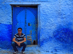 Self-portrait in Cefchaouen (Nicolay Abril) Tags: شفشاو الشاون تطوان المغرب أفريقيا العربي chauen xauen chefchauen tangiertetouan tétouan tangertetouan tangertetuan tetuán tetuanprovince marruecos marocco morocco maroc marokko maghreb magreb africa afrika afrique chefchaouen chaouen xaouen