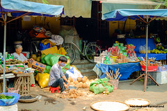 Street Market in Hoi-An, Vietnam (Andrew Parmanand) Tags: asia asian seasia hoian vietnam market street