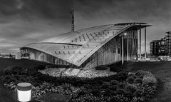 Astrup Fearnley Museet-BW (Ajnaraja) Tags: astrup fearnley museet bw oslo aker brygge sky panorama