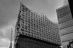 Die Elbphilharmonie (Nihil Baxter007) Tags: elbphilharmonie hamburg elphi hh hafen haven harbour opera oper fassade architecture architektur immobilie gebäude haus festspiel philharmonie