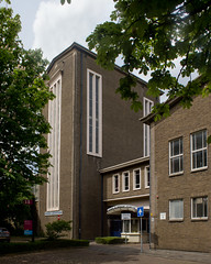Delft - Techische Universiteit - Fysische en Chemische Technologie (grotevriendelijkereus) Tags: delft netherlands holland nederland stad city town plaats building architecture architectuur modern university school universiteit technische technical gebouw