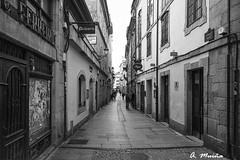 Typical street of bars of the city of Lugo (Spain). (A. Muiña) Tags: blancoynegro bw ricoh callejera social calle street piedra stone people personas urbana paisaje landscape gente