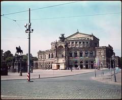 Dresden 2016 XXVI (__Daniele__) Tags: dresden saxonia sachsen analogue analog film c41 6x7 makina 67 plaubel 120 medium format mittelformat sredni konica minolta 160