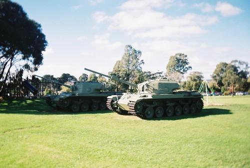 armytank centuriontank vivitarcv35 vistaplus agfaphotovistaplus agfaphoto 400speedfilm 400isofilm plasticlens cheaplens fixedfocus focusfree unlimitedphotos untouchedandunedited