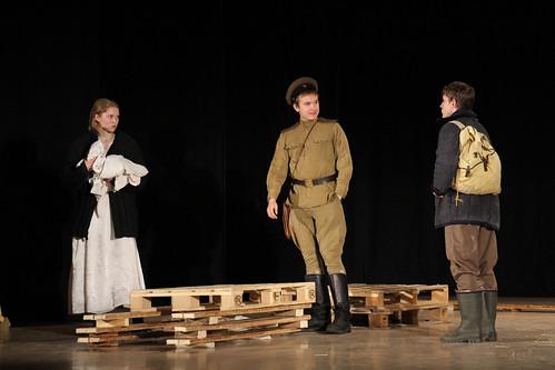 Молодежный театр Underground Одна абсолютно счастливая деревня (16)
