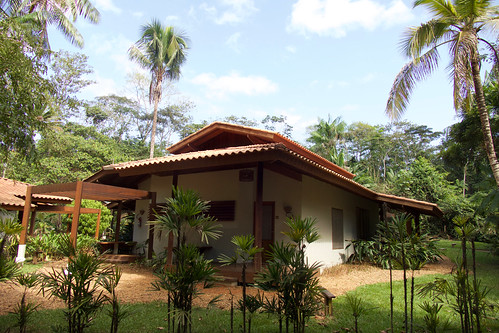 brazil-amazon-cristalino-lodge-exterior-of-room-copyright-thomas-power-pura-aventura