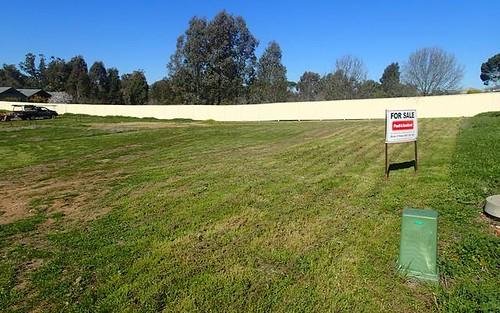 12 Ash Avenue, Corowa NSW 2646