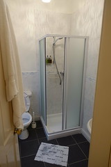 Bathroom (Sparky the Neon Cat) Tags: europe uk united kingdom gb great britain scotland scottish highland north ballachulish creag mhor lodge bathroom
