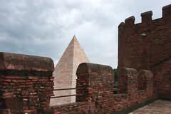 mura aureliane, ostiense, Roma (giuseppesavo) Tags: pp9354 pentax photivo pentaxsmcda181353556 primavera k7 linux ubuntumate gimp gmic italia italy roma rome romamor piramide cestia ostiense