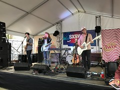 SXSW 2017: flor at COLLiDE/Twix Party at Bar 96 (escriteur) Tags: img6820 texas austin sxsw 2017 raineystreet dayparty collide culturecollide bar96 twix party flor band